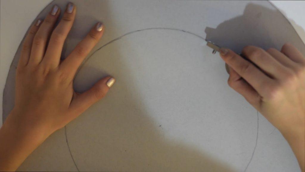 como hacer un aro de luz con carton
